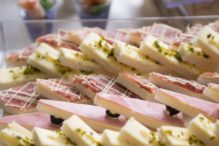 Finger Food backstagecateringdeluxe catering ticino lugano